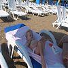 лежу на пляжу
